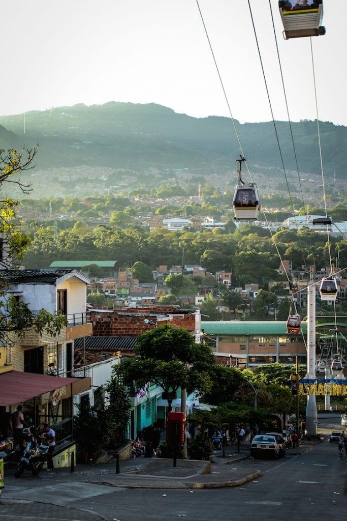 2 - Backpacken COLOMBIA Kabelbaan Kiki van Dongen