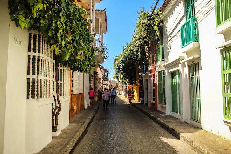 8 - COLOMBIA kleurige straatjes