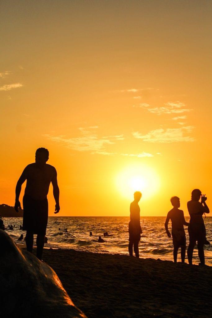 9 - COLOMBIA zonsondergang strand