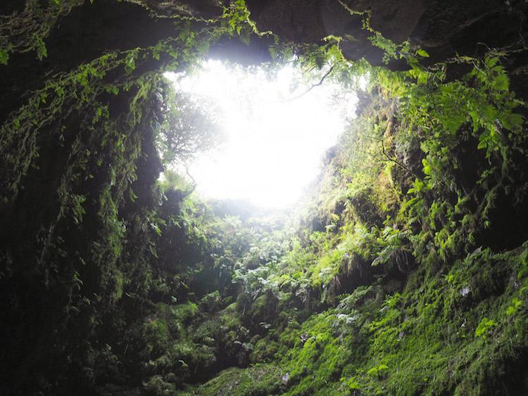 Algar do Carvao krater gat terceira azoren