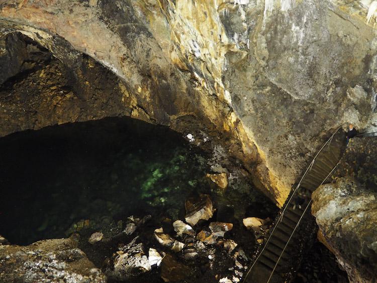 Algar do Carvao meer krater terceira