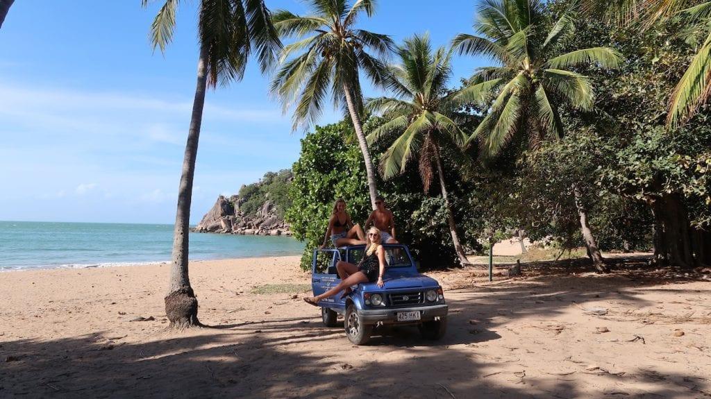 Alleen backpacken in australie jeep