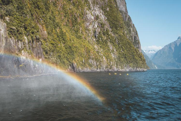Backpack Route Nieuw Zeeland Zuidereiland waterval Milford Sound