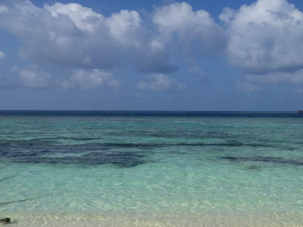 Backpacken Malediven 50 tinten blauw
