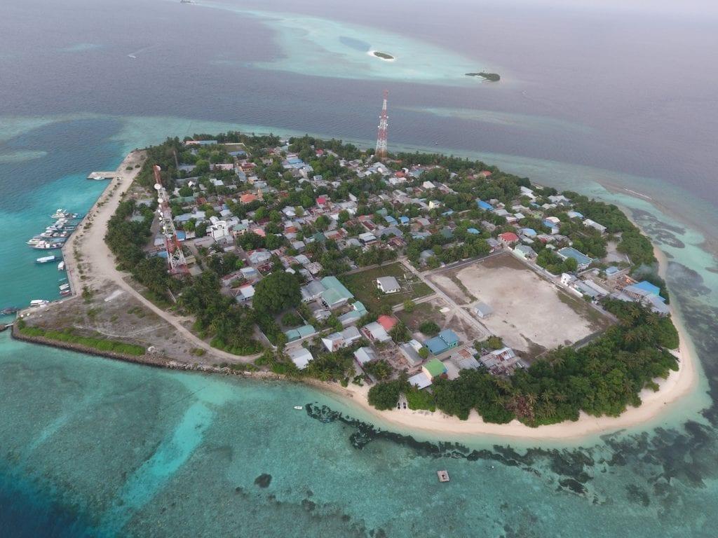 Backpacken Malediven Rasdhoo overzichtsfoto