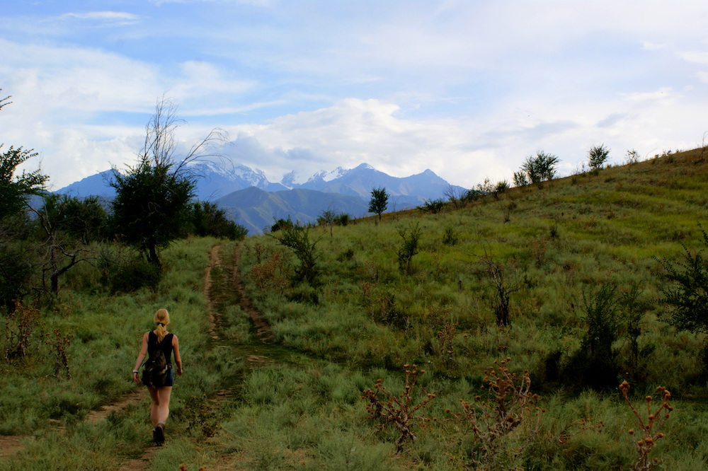 backpacken kirgizie hiken wandelen