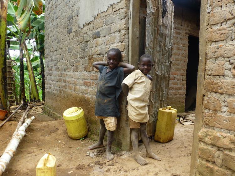 Backpacken oeganda locals