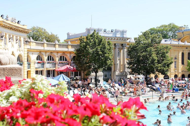 Badhuis Hongarije wat te doenn in boedapest
