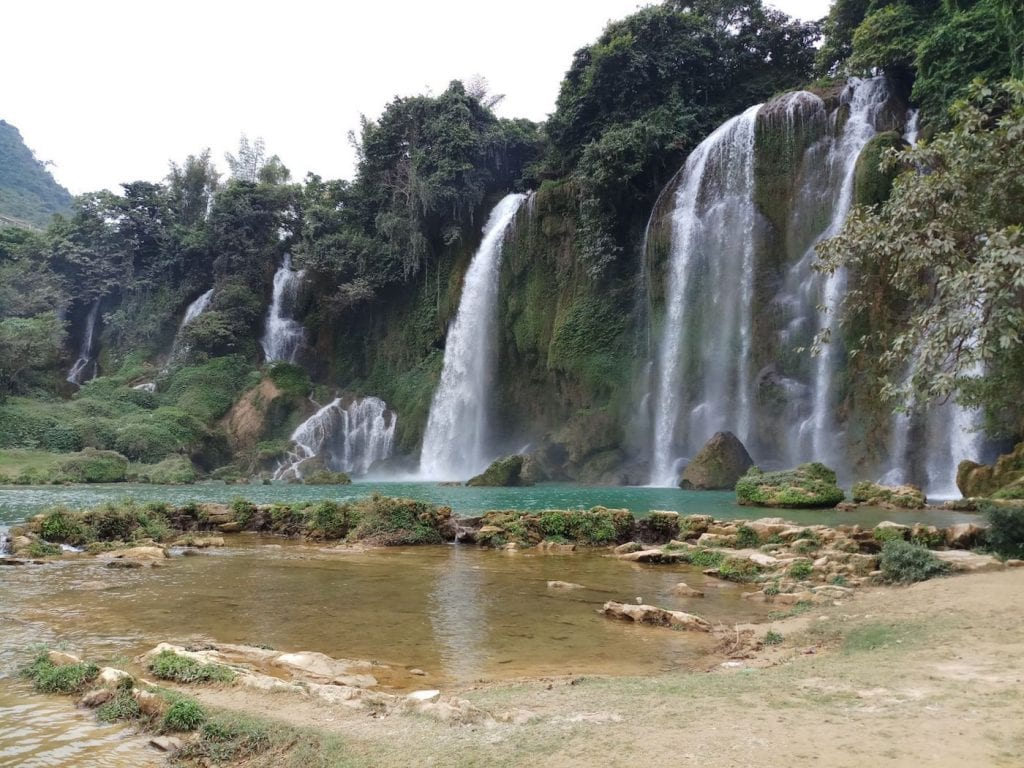 Ban Gioc Waterfall vietnam tips
