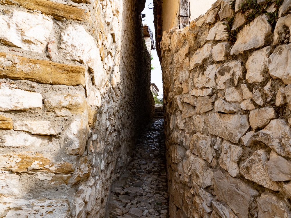 Berat Albanie narrow street to Kala