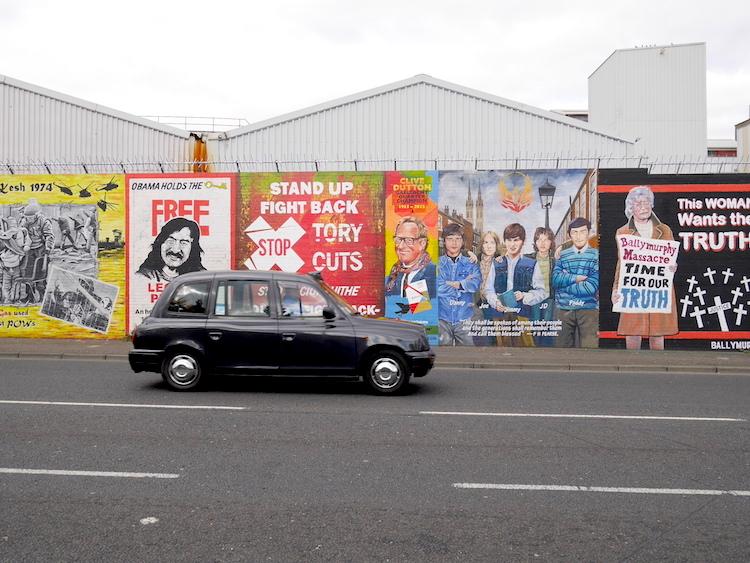 Wat te doen in Belfast? Black cab tour