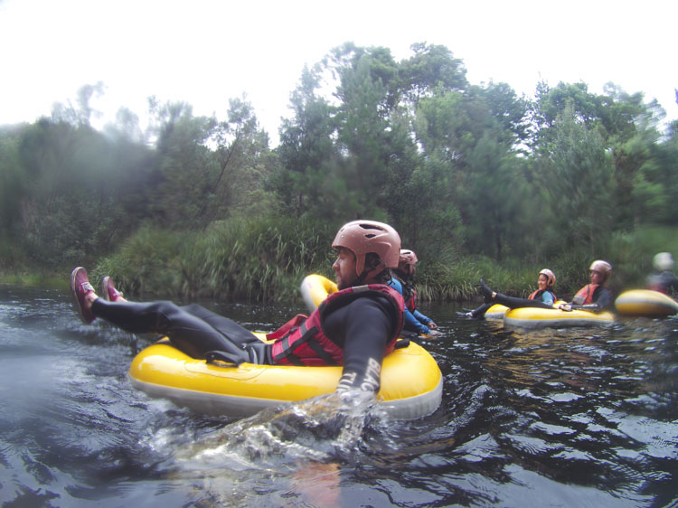 Black water tubing storms river zuida afrika-2