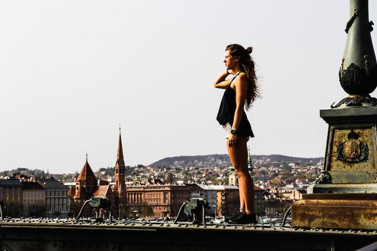 Budapest vue sur la ville de la place Andtessa