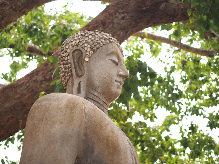 Boeddha-beeld-Abhayagiri-vihāra-anuradhapura