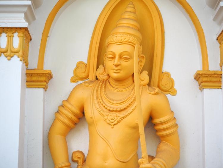 Boeddha-beeld-jaya-Sri-Maha-Bodhi-anuradhapura