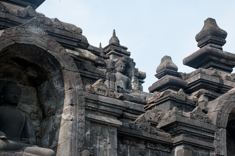 Borobudur tempel yogyakarta java details boeddha beelden