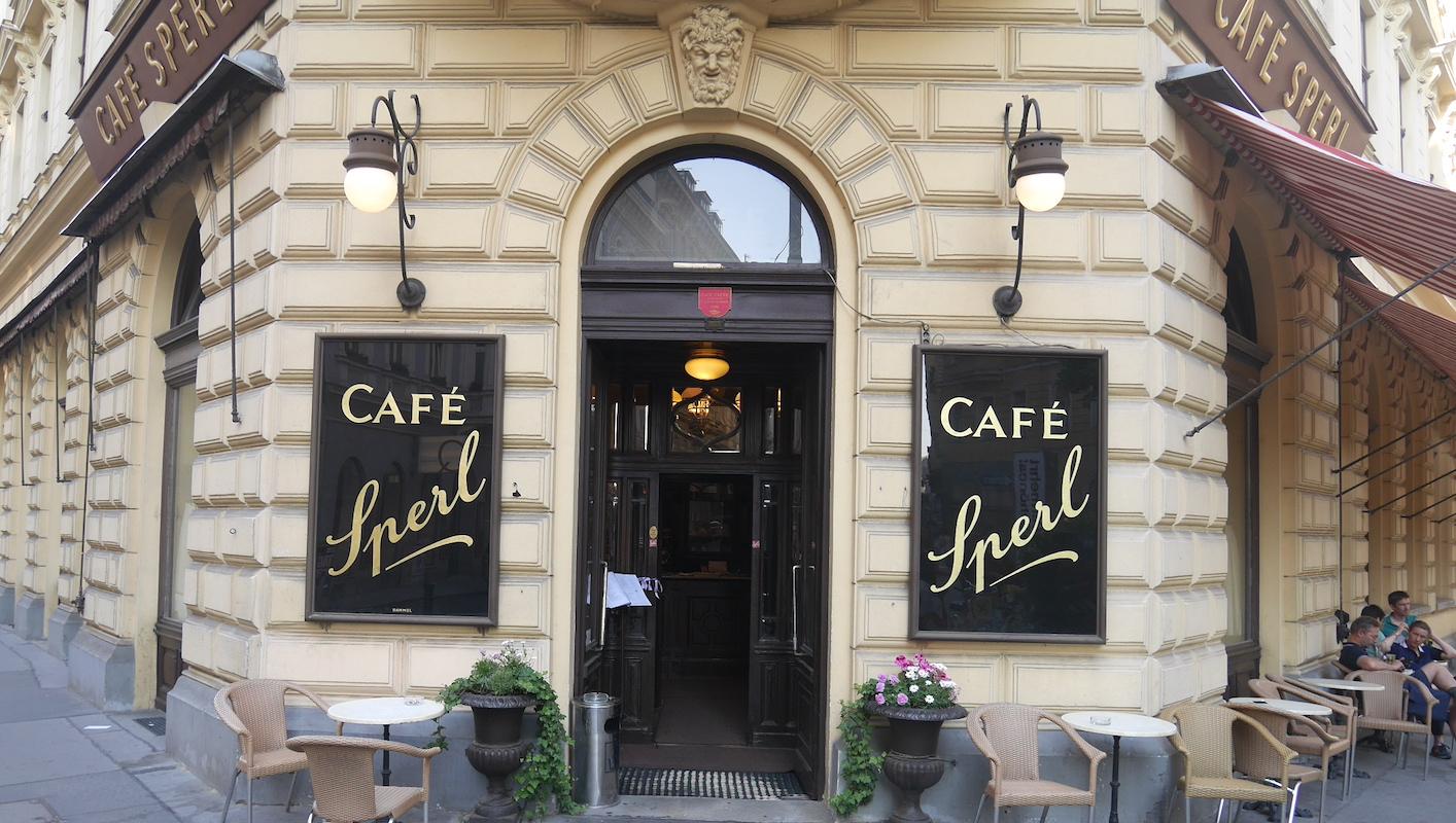 Cafe Sperl wenen eten in oostenrijk