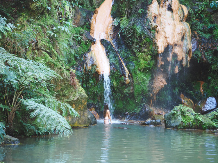 Caldeira Velha azoren warme waterval