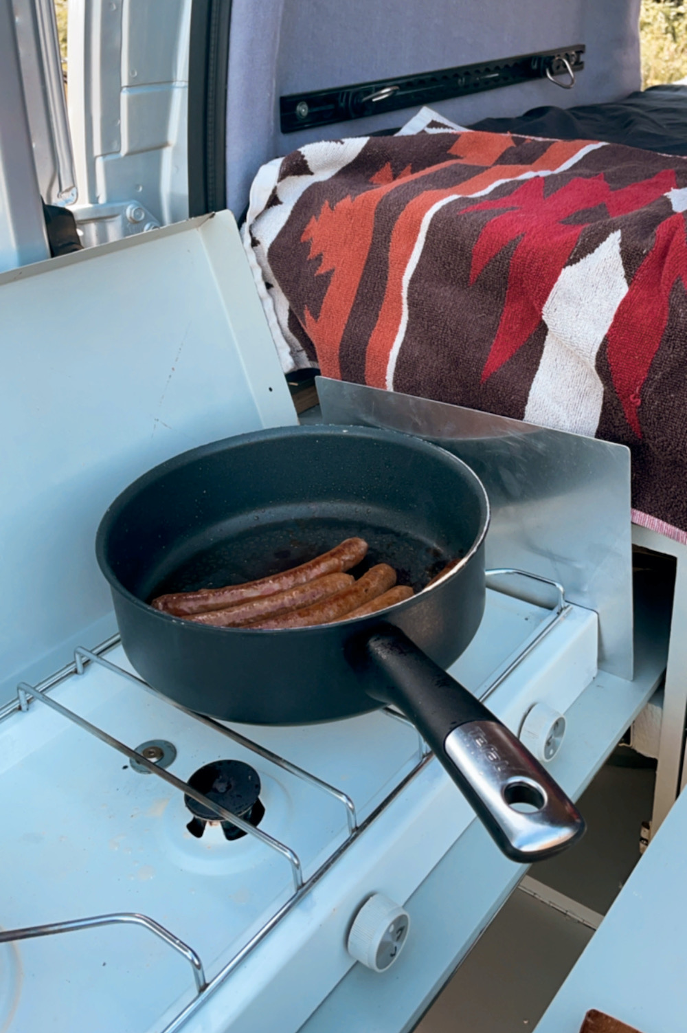 Camper keuken koken op reis