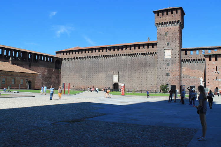castello-sforzesco-in-milaan