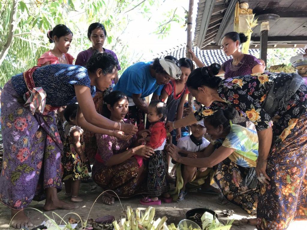 Ceremonie Nusa Penida Putu thuis