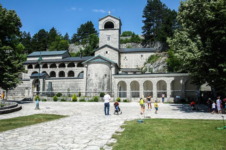 Cetinje en Lovcen montenegro roadtrip