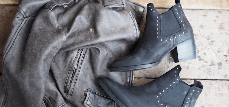 Chelsea boots studs