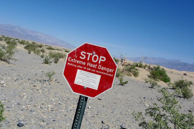 Danger Roadtrip in Death Valley (2)