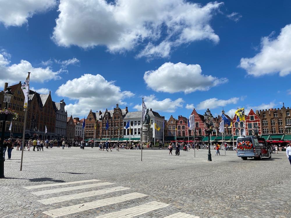 De markt Brugge bezienswaardigheid weekend weg