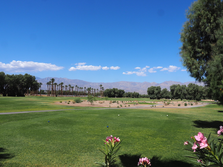 Death Valley bezienswaardigheden Furnace Creek Golf course