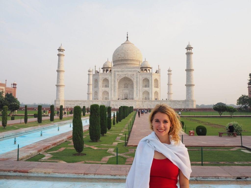 Digital Nomad Mimi Taj Mahal