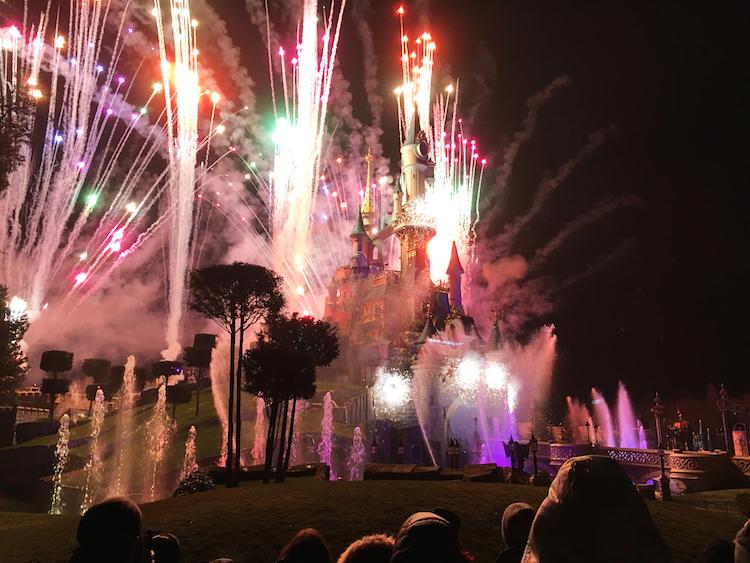 Disneyland parijs vuurwerk star wars