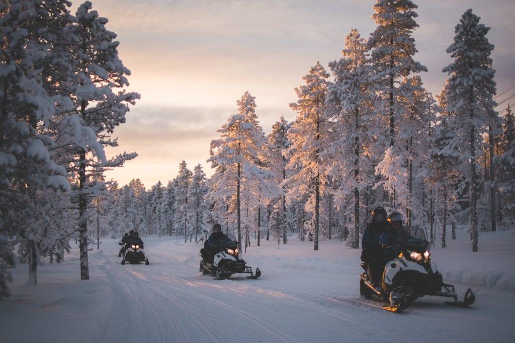 Excursies lapland sneeuwscootersafari