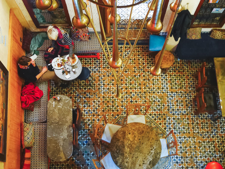 Fez stedentrip in marokko cafe clock
