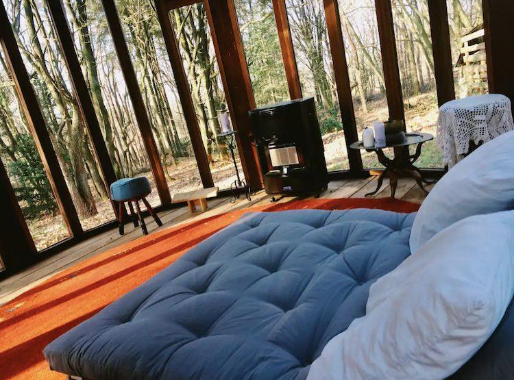 Glazen yurt in Nederland