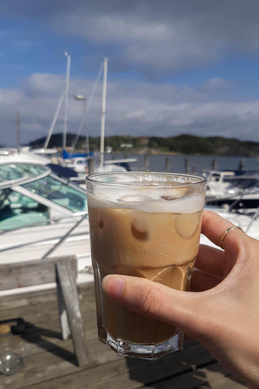 Gotenburg en de eilanden van Zweden, ijskoffie bij Varv