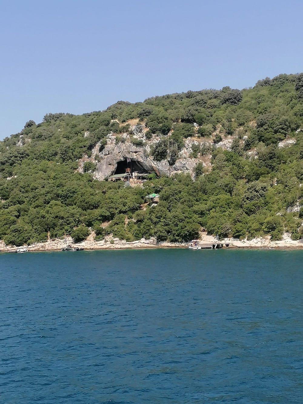 Grot Lim Fjord, Istrië