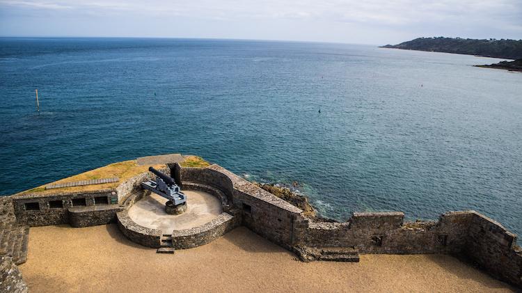 Guernsey Castle Cornet met kanon