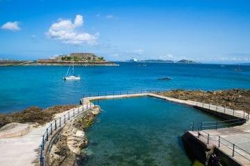 Guernsey vakantie Castle Cornet vanuit St. Peter Port