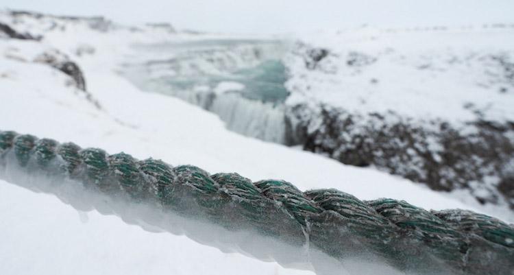 Gullfoss-waterval-in-IJsland-winter