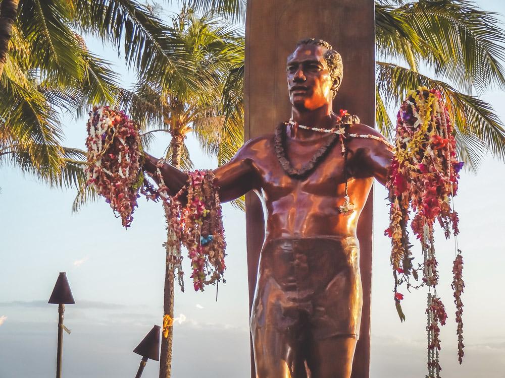 Hawaii vakantie Oahu standbeeld