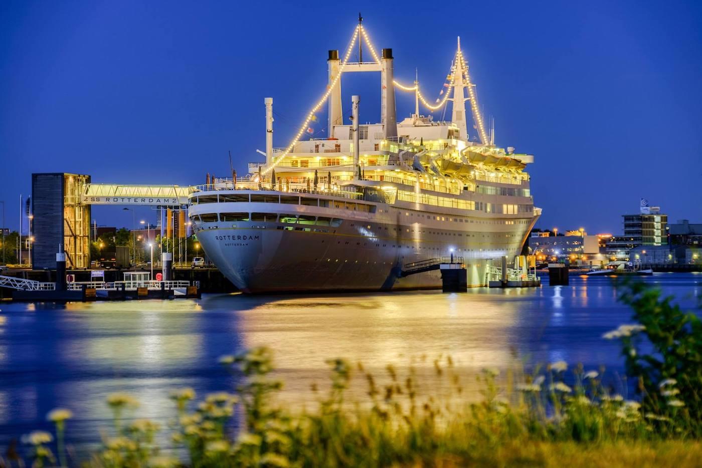 Het SS Rotterdam bijzonder overnachten
