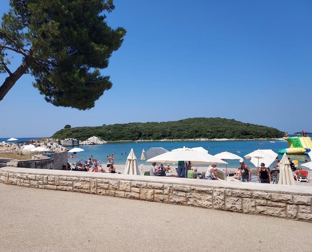 Het strand bij Vrsar, Istrië