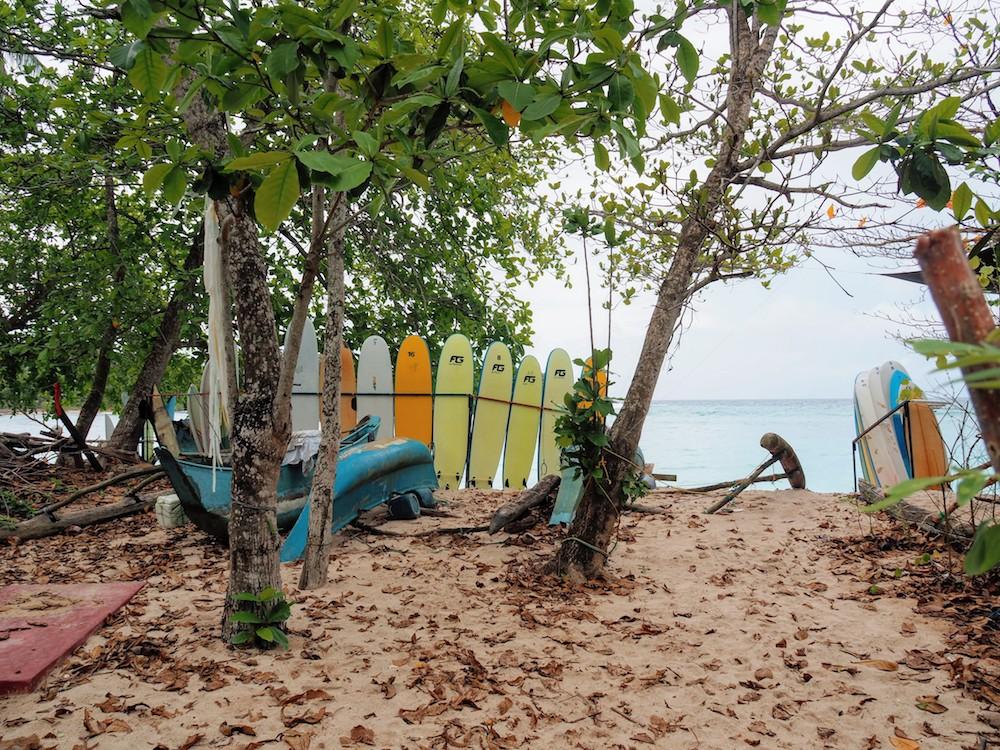 Hidden places sri lanka Hiriketiya strand surfen