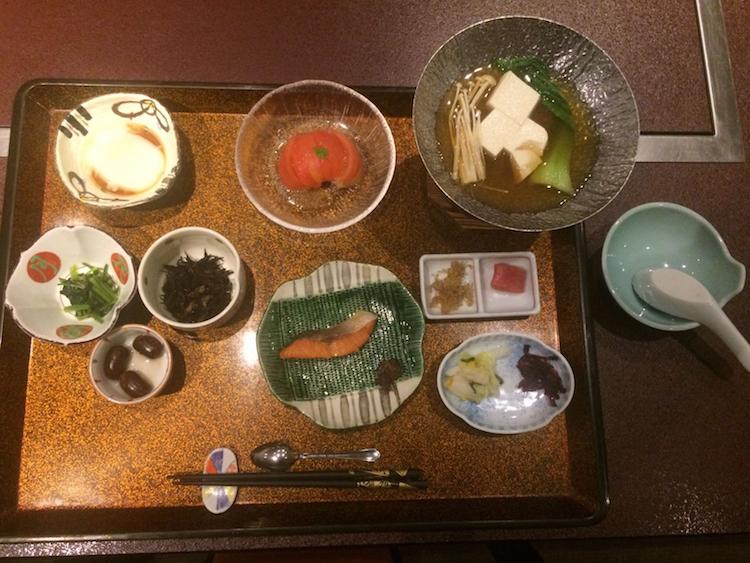 Hokkaido Japan Ryokan ontbijt