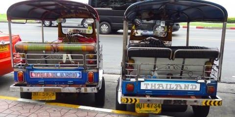 Hostels khao san road tuk tuk