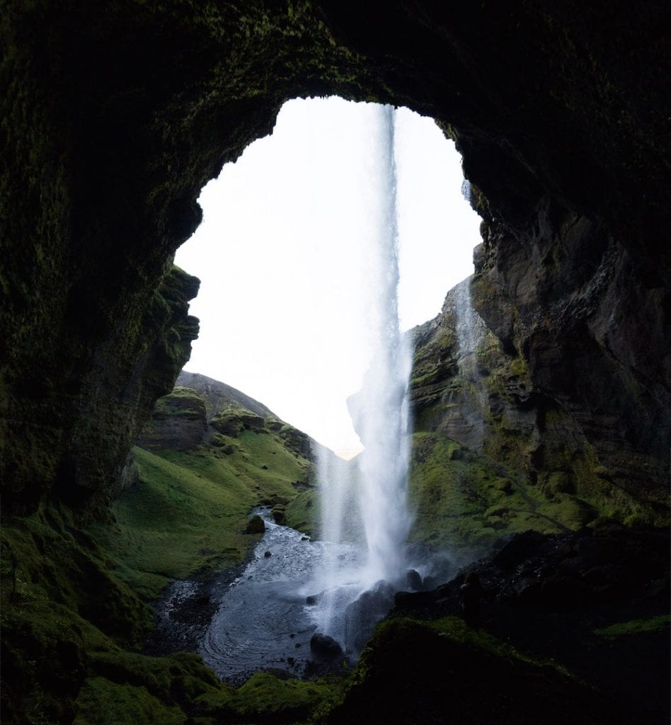 ijsland foto's behind the waterval
