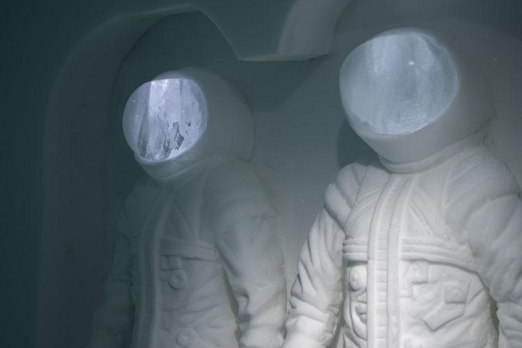 Ice Hotel Sweden hotelkamer astronauten