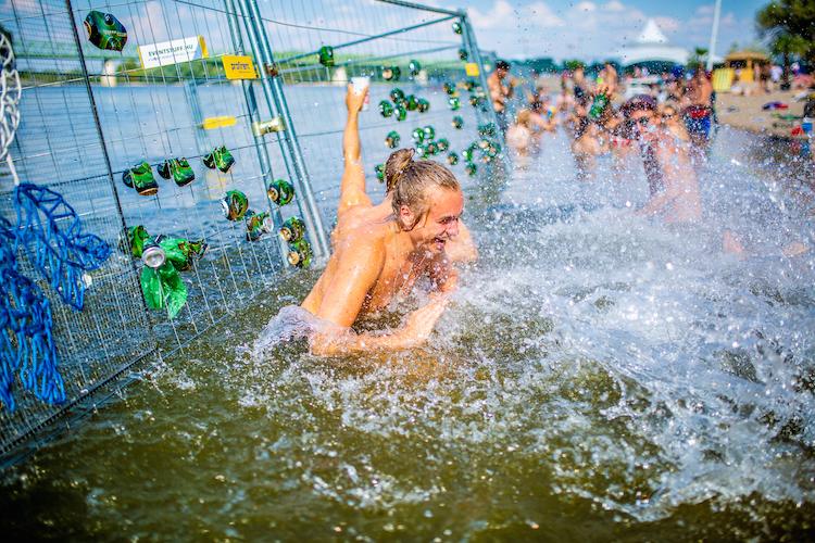 Zwemmen op Sziget festival