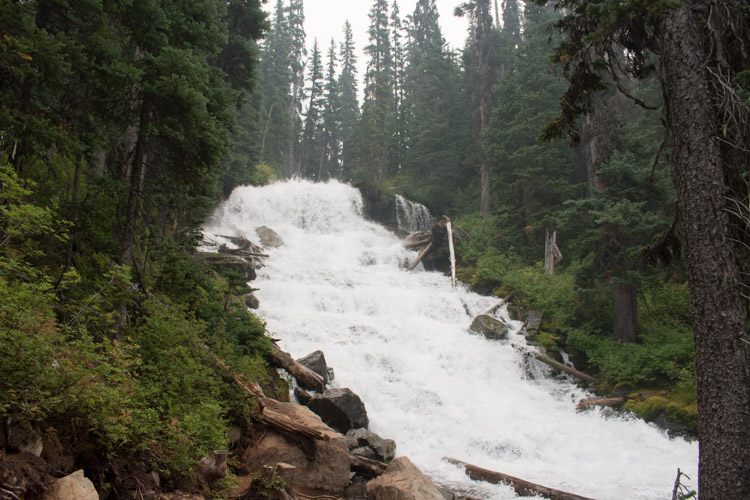 Joffre lakes Provincial Park waterval canada